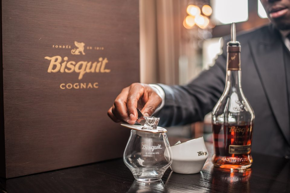 bisquit-cognac_perfect-serve-step-1-v1-hr
