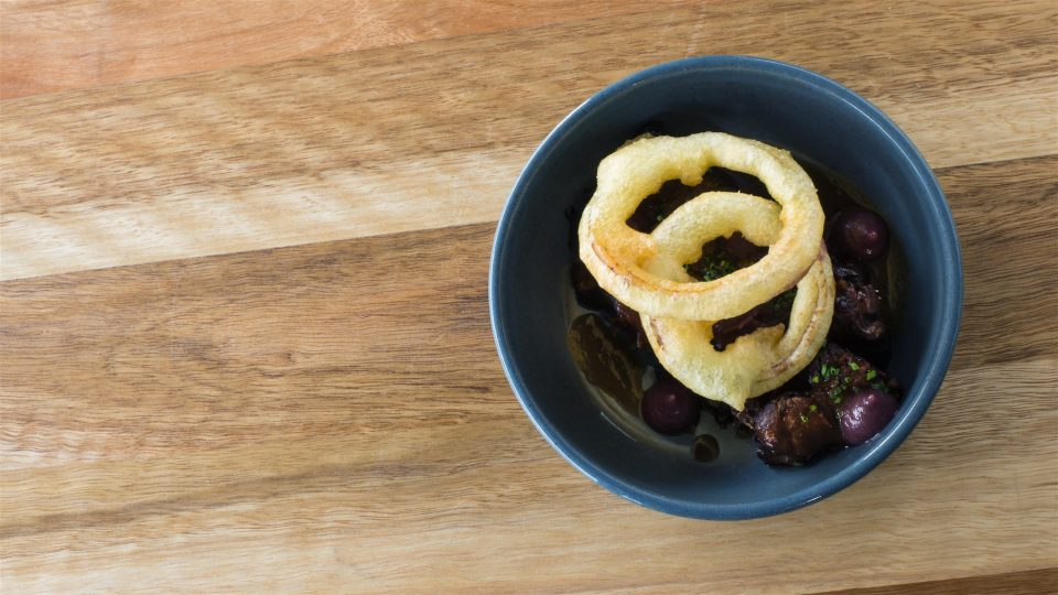 grazing-room-wagyu-shin-braised-in-red-wine-onion-ketchup-and-onion-rings