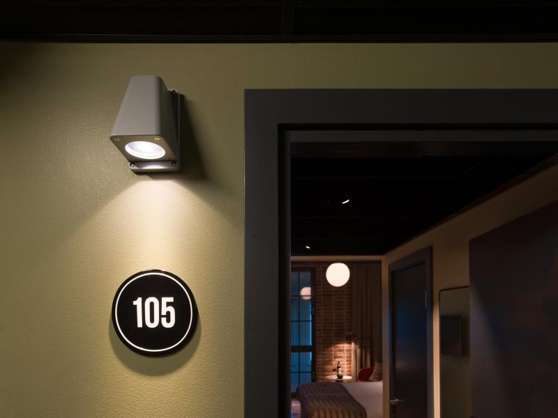 hotel_corridor