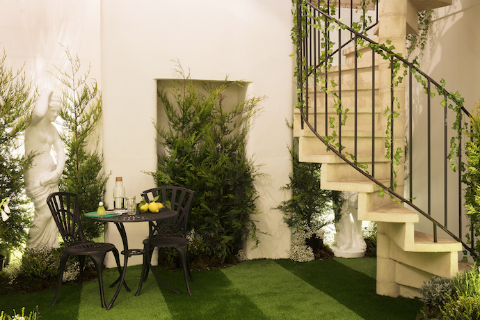 AirBnB Greenery 200 - Book this year's Pantone: Greenery on AirBnB